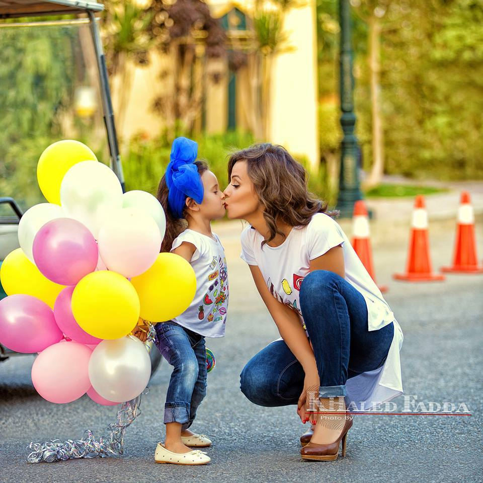 صور بنت الفنانه ايمان العاصي هل تشبه امها ؟!