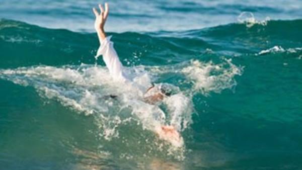 دبي : رجل يمنع انقاذ ابنته من الغرق خوفا على شرفها