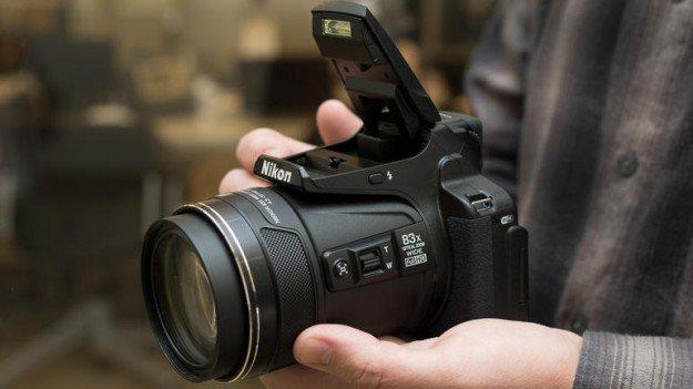 سعر و مواصفات كاميرا نيكون مع تقريب بصري جبار 83x zoom Nikon Coolpix P900