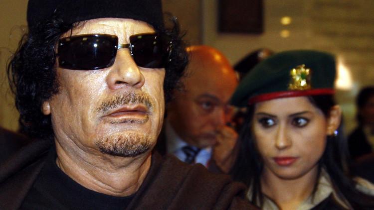 وصيفة حارسات معمر القذافي تكشف سر اختياره النساء لحمايته