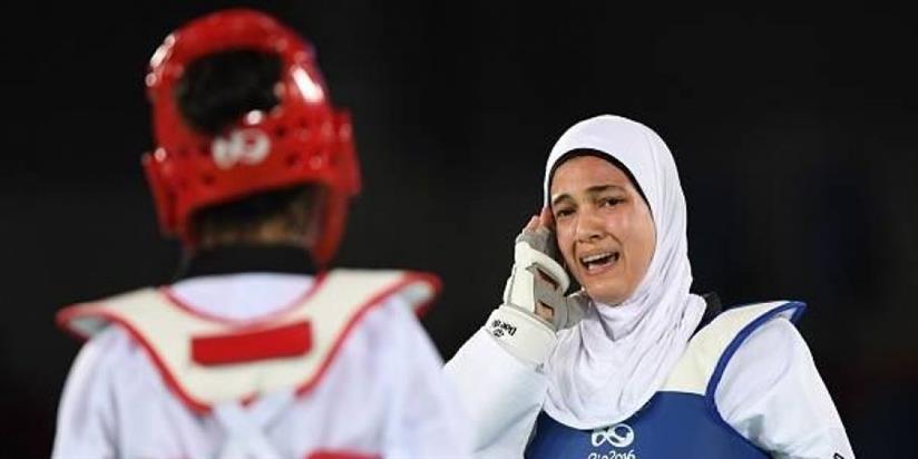 هدايا ملاك انهزمت لزميلتها المغربية من ذوي الاحتياجات الخاصة