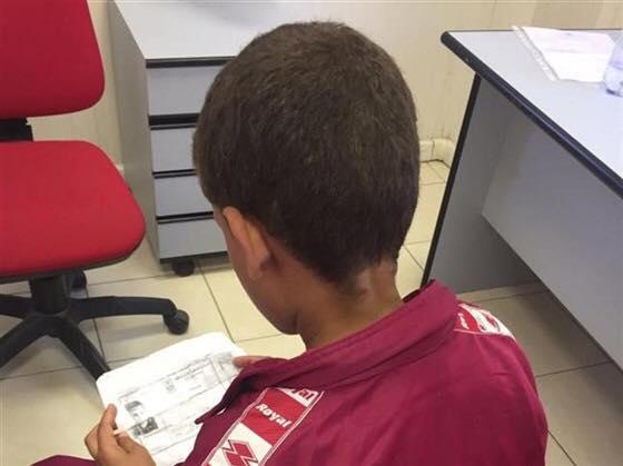 طفل مصرى يعبر البحر الابيض المتوسط الى إيطاليا للحصول على دواء اخيه الاصغر
