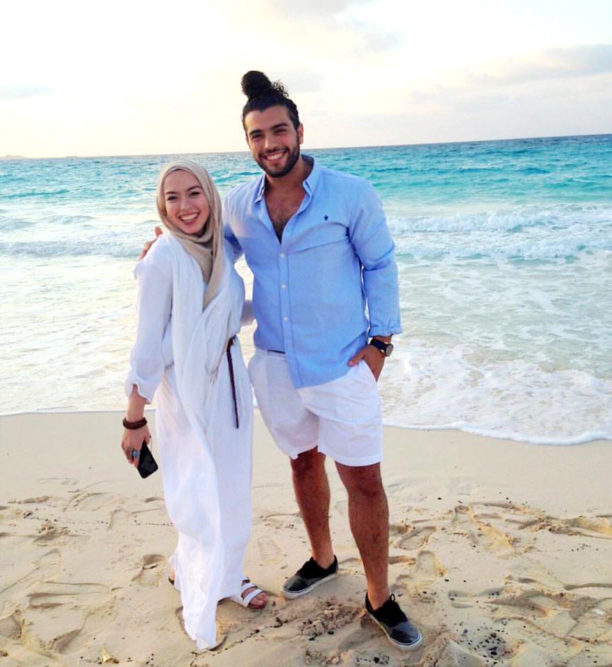 صور قصه حب بين اخ واخته تشعل الفيس بوك وانستجرام