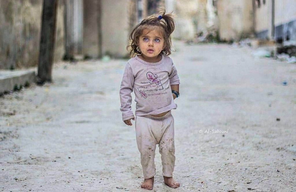 جمال وبراءه الطفوله في مواجهة الحرب والفقر