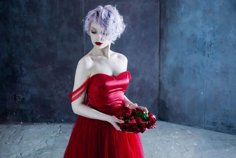 فستان احمر 3 صور بنت لابسه فستان احمر