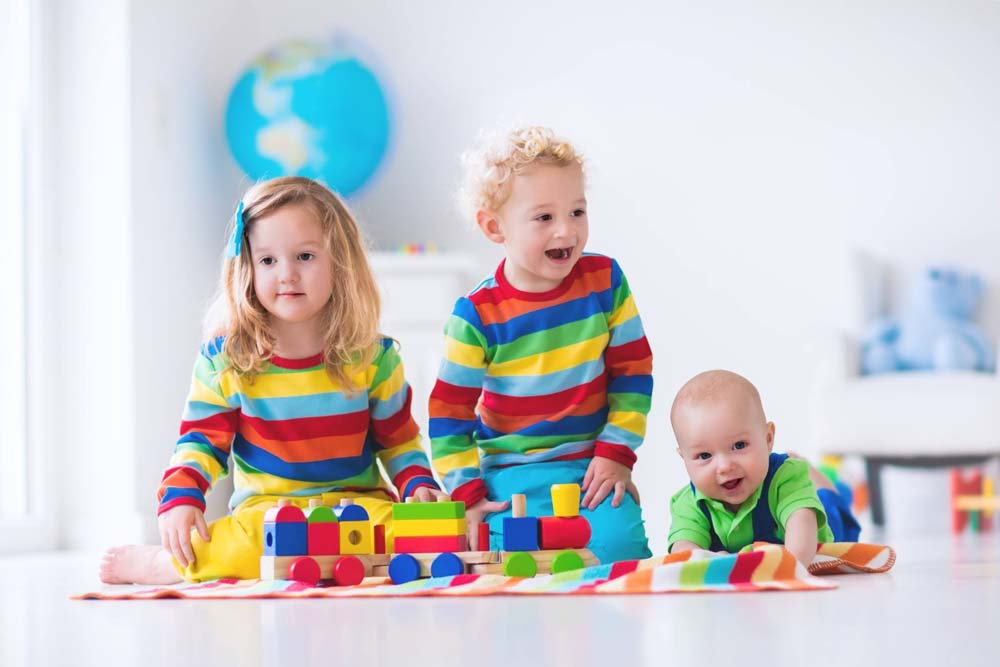 اطفال يلعبون 1 صور لعب اطفال