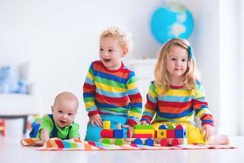 اطفال يلعبون 10 صور لعب اطفال