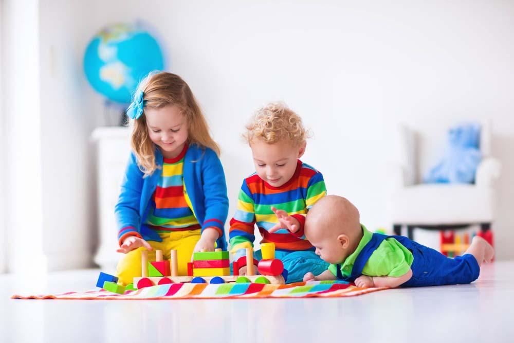 اطفال يلعبون 11 صور لعب اطفال