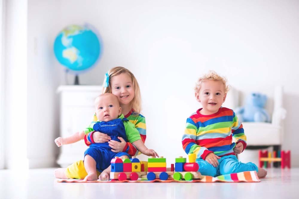 اطفال يلعبون 12 صور لعب اطفال