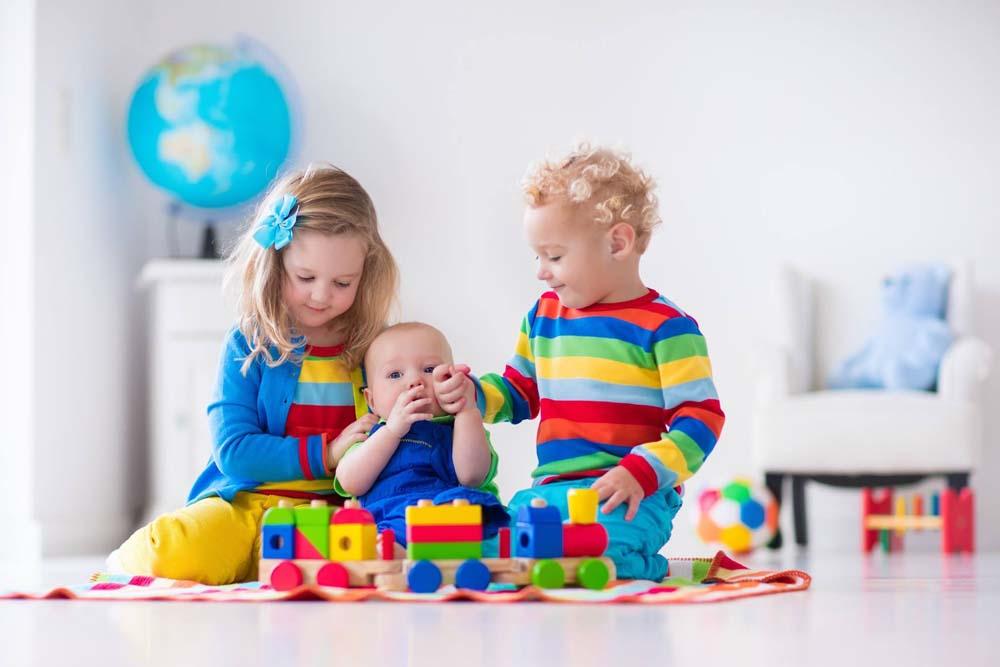 اطفال يلعبون 13 صور لعب اطفال