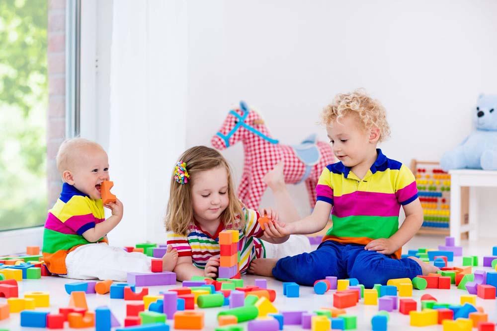 اطفال يلعبون 6 صور لعب اطفال