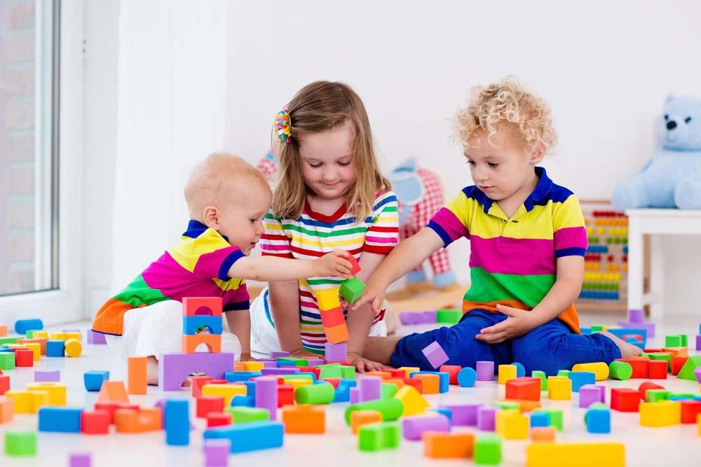 اطفال يلعبون 7 صور لعب اطفال