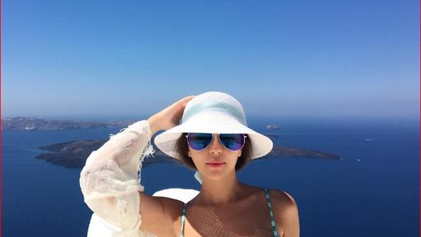 ميريام فارس بالمايوه 1 صور مريام فارس على شواطئ اليونان