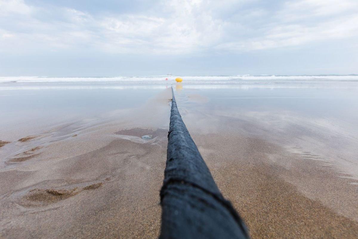 DKmCZdpW4AAyrna كابل انترنت بحري بطول 6440 كيلومتر يربط امريكا واسبانيا