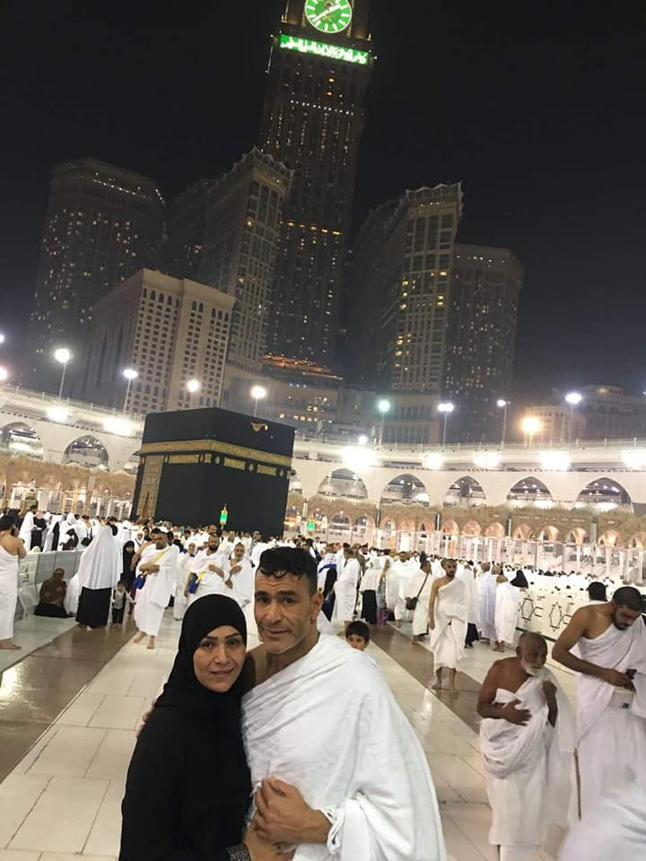 عصام الحضري في مكه 2 صور عصام الحضري يؤدي العمره مع بناته وزوجته