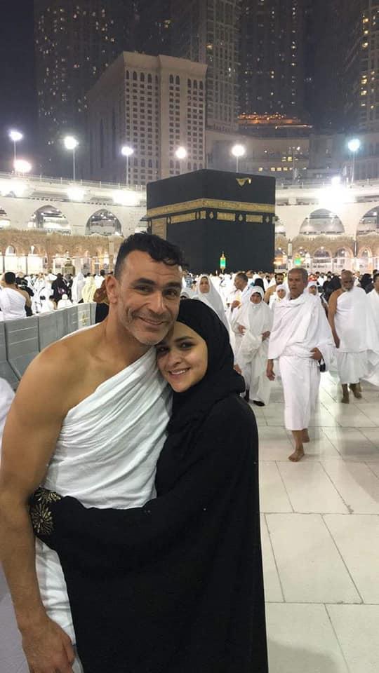 عصام الحضري في مكه 4 صور عصام الحضري يؤدي العمره مع بناته وزوجته