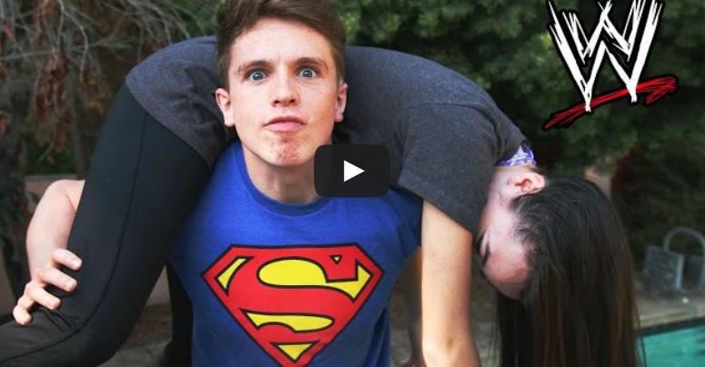 فيديو : ماذا فعل هذا الشاب بصديقته في حمام السباحه
