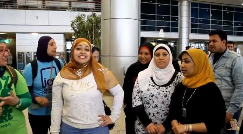 فيديو : مصرية تتحدى نجمات بوليود في الغناء والرقص الهندي