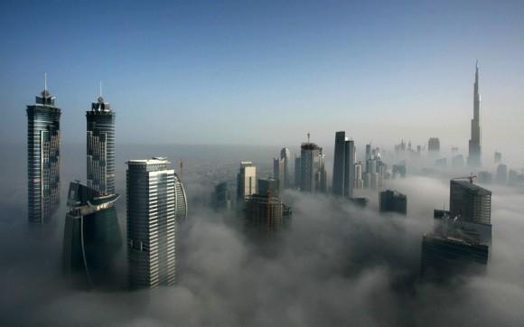 دبى من أجمل المدن العربية - شاهدها عندما يغطيها الضباب