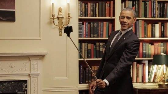 صور سيلفي باراك اوباما يشعل مواقع التواصل الاجتماعي
