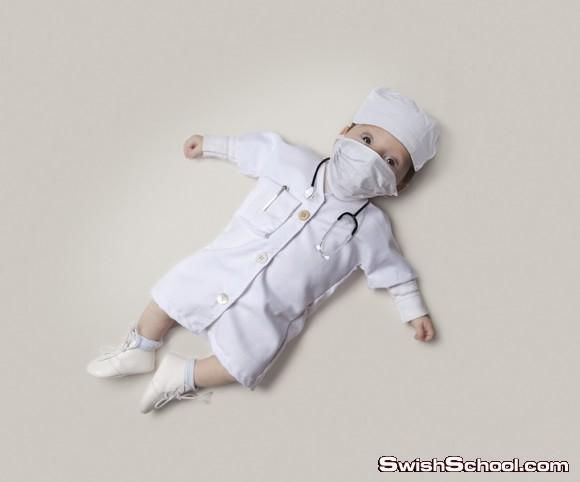 اطفال يرتدون ملابس وظائفهم المستقبلية