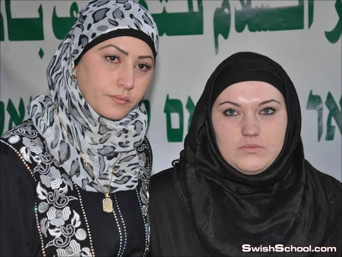 يهوديات يشهرن إسلامهن في المسجد الأقصى