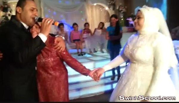 فديو مصري يغني في فرحه ويدهش المعازيم