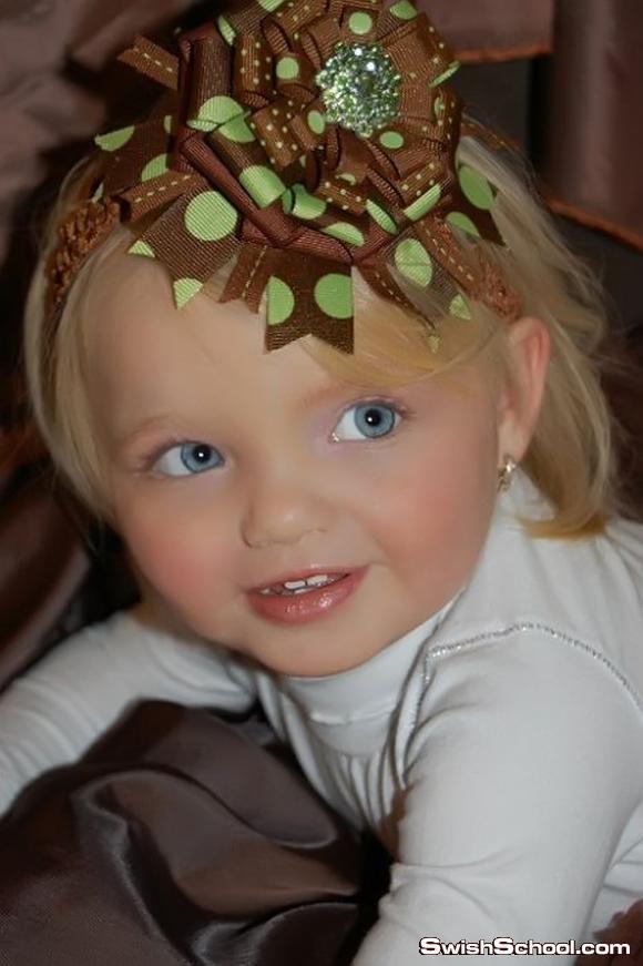 طفله تشبه الدميه باربي - باربي 2012