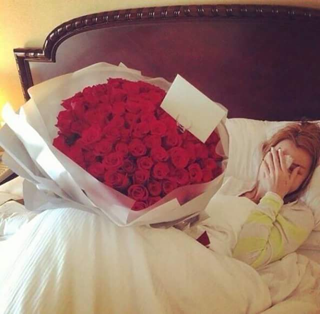كيف تبهرها بالورود Romantic Ways to Delight Her With Roses