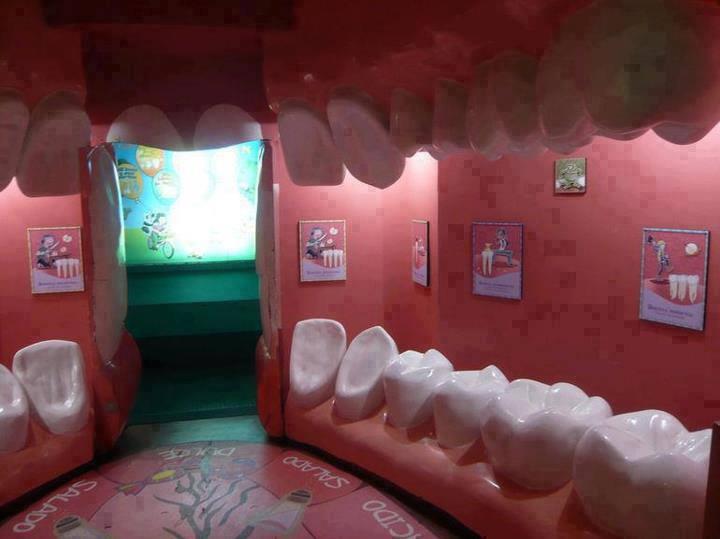 عيادة طبيب اسنان بشكل جديد جدا