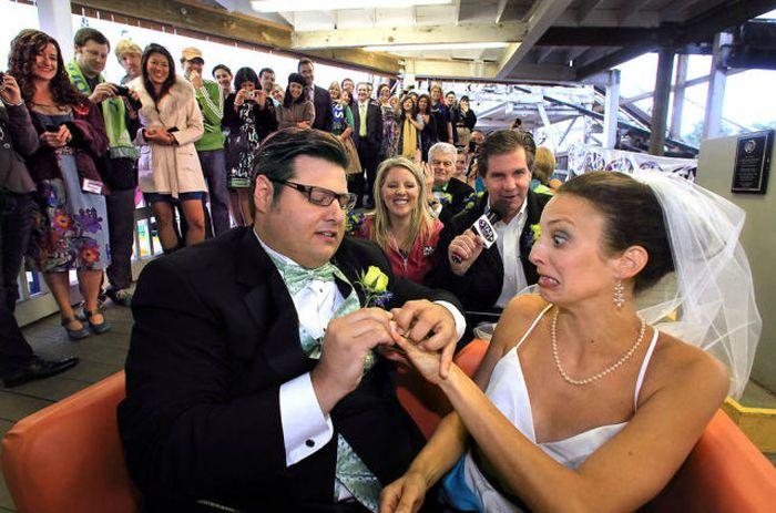 1459196222022 صور اغرب حفلات الزفاف في العالم