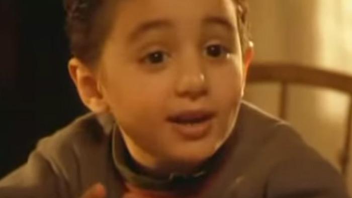 مين فاكر ابن كريم عبد العزيز فى واحد من الناس ؟ شوف صورته بعد ما كبر