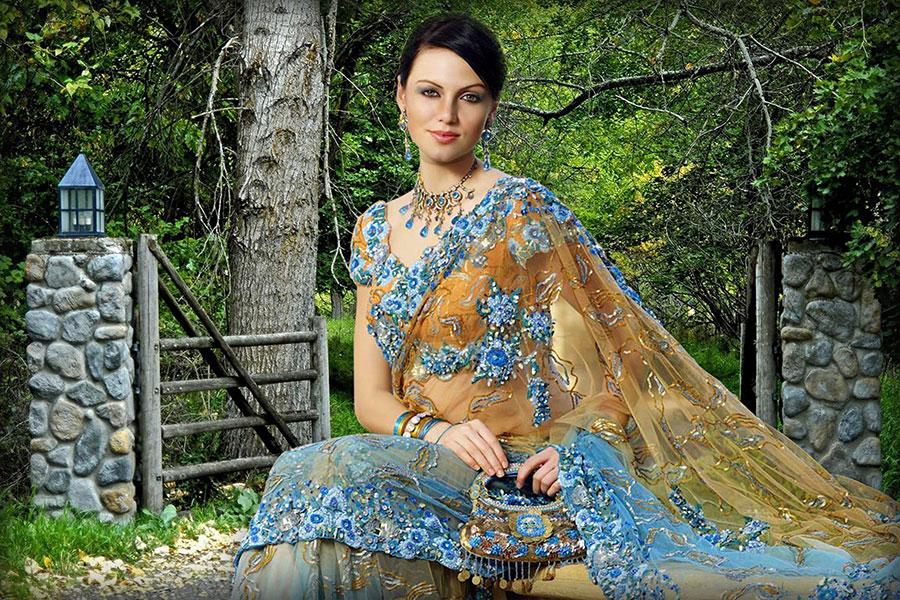 ملف مفتوح psd لتركيب وجه إمرأة بفستان هندي على الطريقة الهندية + متعدد الخلفيات + أمثلة قبل التحميل