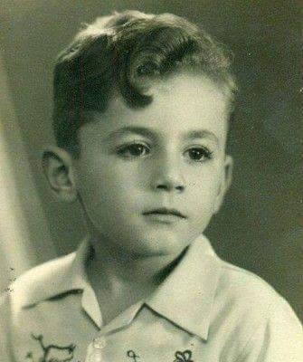 عزت ابو عوف وهو صغير صور فنانين وهم صغار