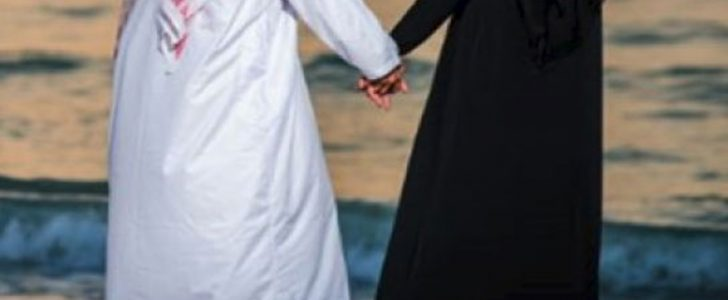 قواد قواد يرسل زوجته لثري عربي فتحدث مفاجأة رهيبة