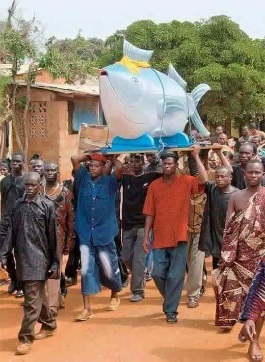 في نيجيريا التوابيت حسب مهنة المتوفي 2 في نيجيريا التوابيت حسب مهنة المتوفي
