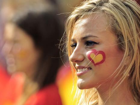 3. Spain 2 10 دول مع جماهير كرة القدم الأكثر جاذبية في كأس العالم