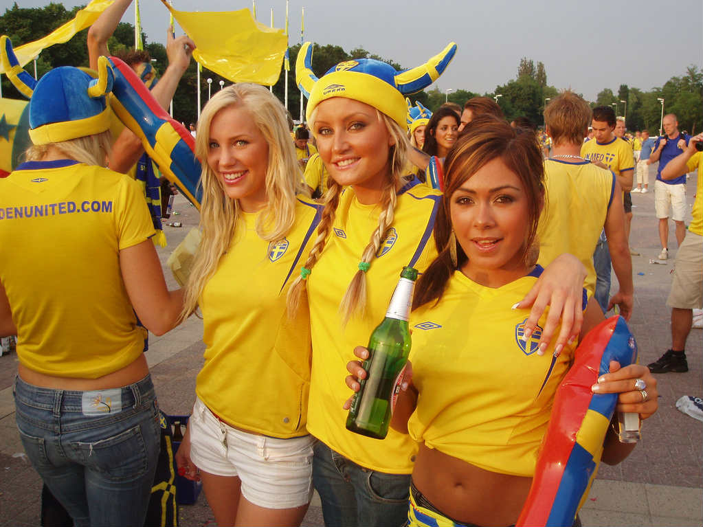 7. Sweden 1 10 دول مع جماهير كرة القدم الأكثر جاذبية في كأس العالم