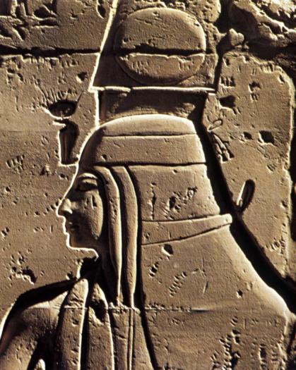 Détail dune représentation féminine de la salle hypostyle de Karnak règne de Ramsès II XIXè Dynastie Egypte Antique Détail dune représentation féminine de la salle hypostyle de Karnak, règne de Ramsès II XIXè Dynastie, Egypte Antique