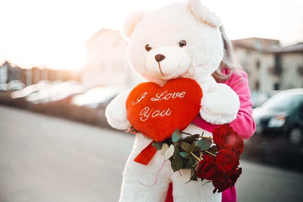 بنت ودبدوب عيد الحب 3 صور رومانسيه بنت شايله دبدوب عيد الحب