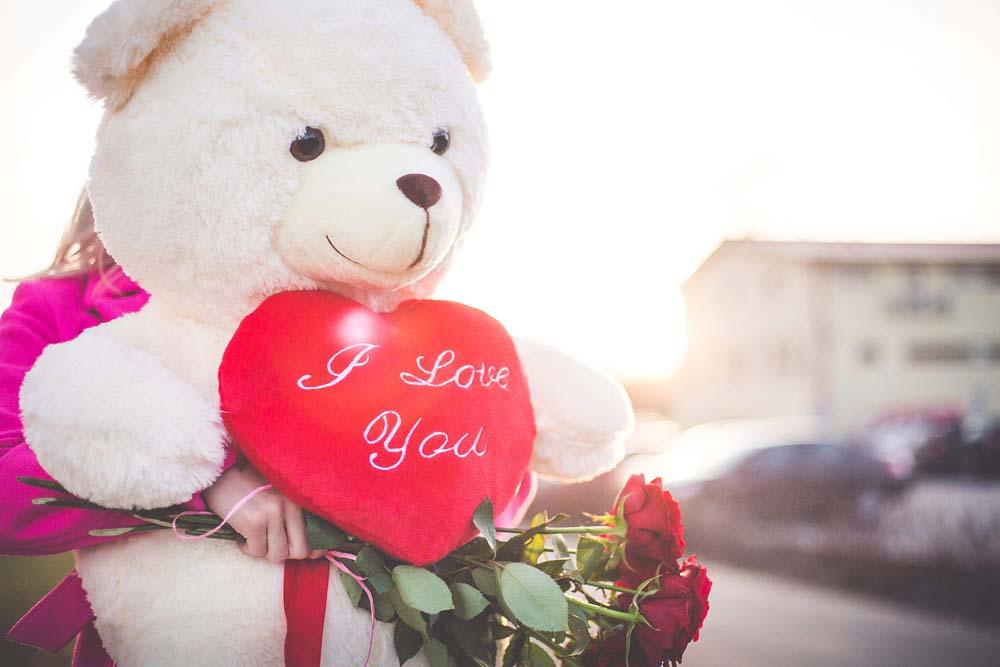 بنت ودبدوب عيد الحب 5 صور رومانسيه بنت شايله دبدوب عيد الحب
