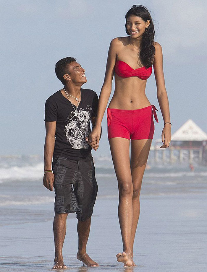 Tall People vs Short People 14 اطول الاشخاص حول العالم