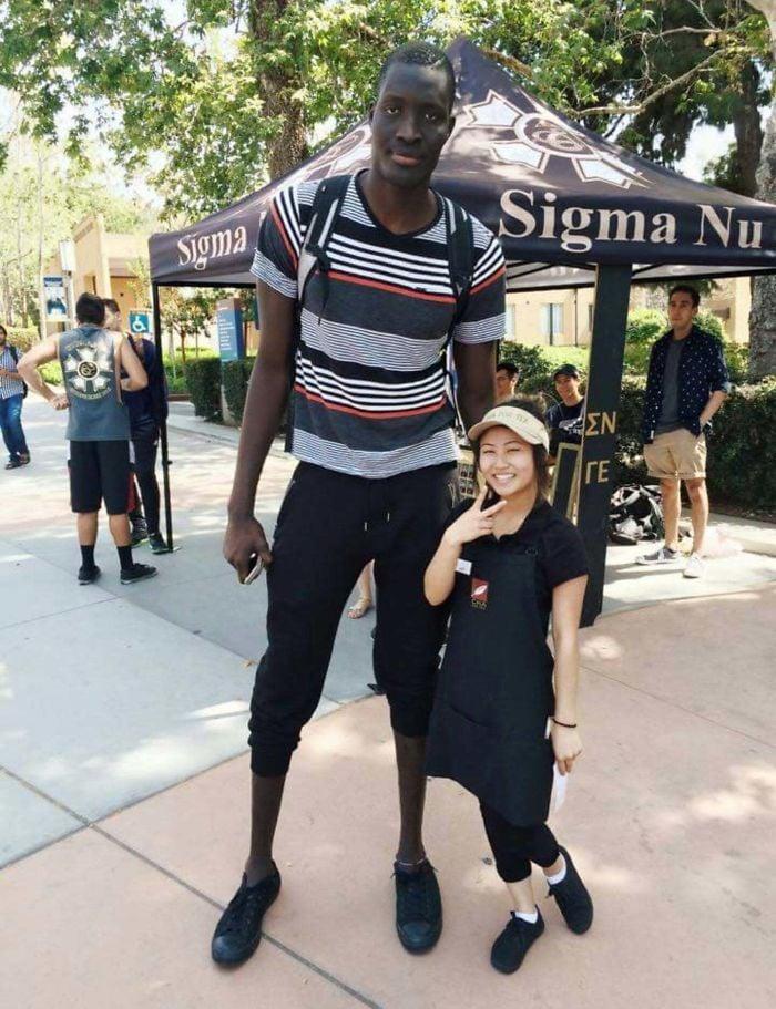 Tall People vs Short People 22 اطول الاشخاص حول العالم
