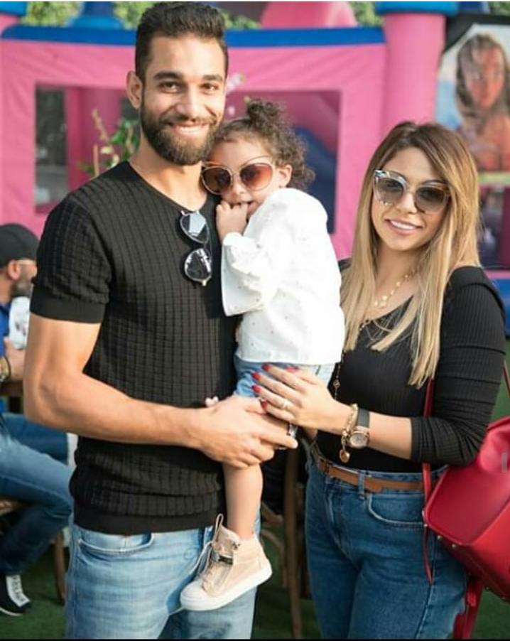 السوليه بالصور زوجات نجوم كره القدم المصريه