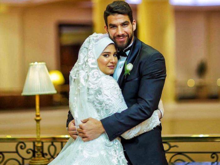شريف اكرامي واخته بالصور زوجات نجوم كره القدم المصريه