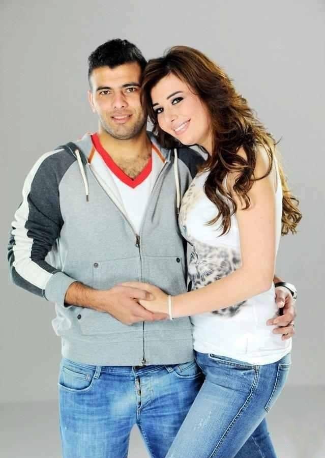 عماد متعب و يارا ناعوم 1 بالصور زوجات نجوم كره القدم المصريه