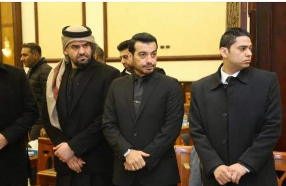 حسين الجسمي في عزاء ابو ايهاب توفيق صور حسين الجسمي في عزاء والد ايهاب توفيق