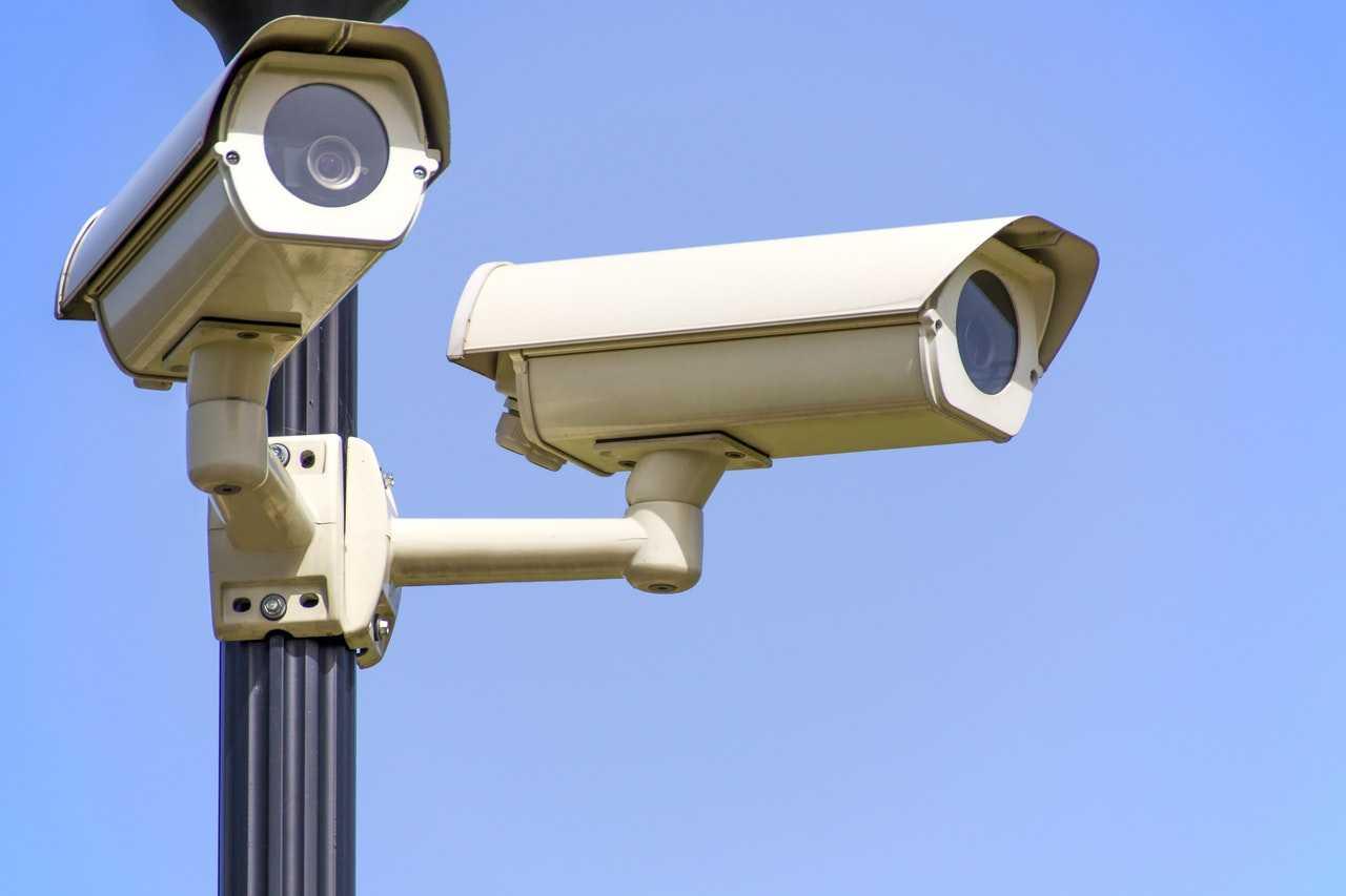 %name لماذا لا تظهر أرقام السيارات وملامح الأشخاص في كاميرات المراقبه