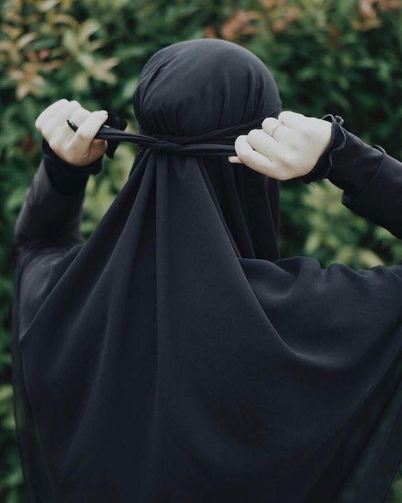 رباط النقاب على الرأس صور بنات منتقبات