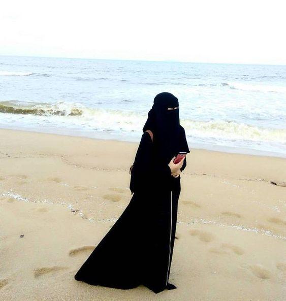 صور بنت منتقبه على البحر صور بنات منتقبات